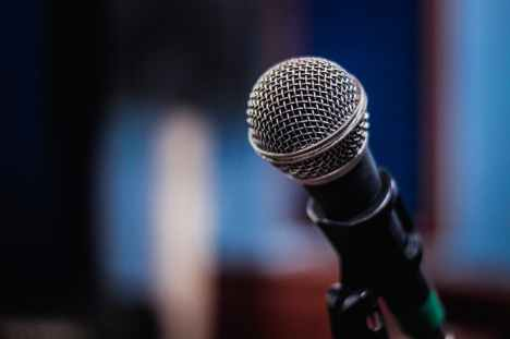 photo of black microphone
